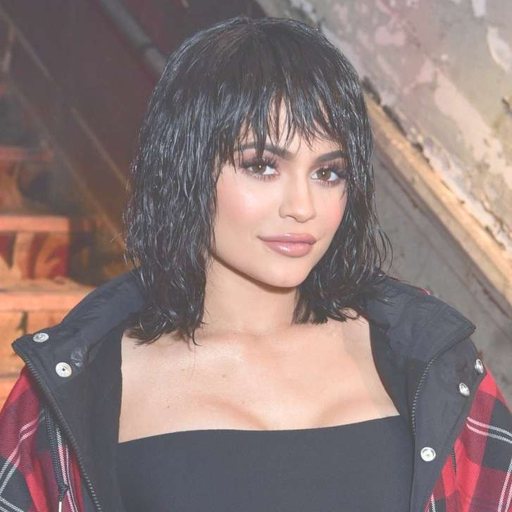 Every Kylie Jenner Haircut And Hair Color Transformation Of 2017 Throughout Most Recently Kylie Jenner Medium Haircuts (View 25 of 25)