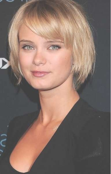 Displaying Gallery of Medium Haircuts For Thick Fine Hair (View 10 ...