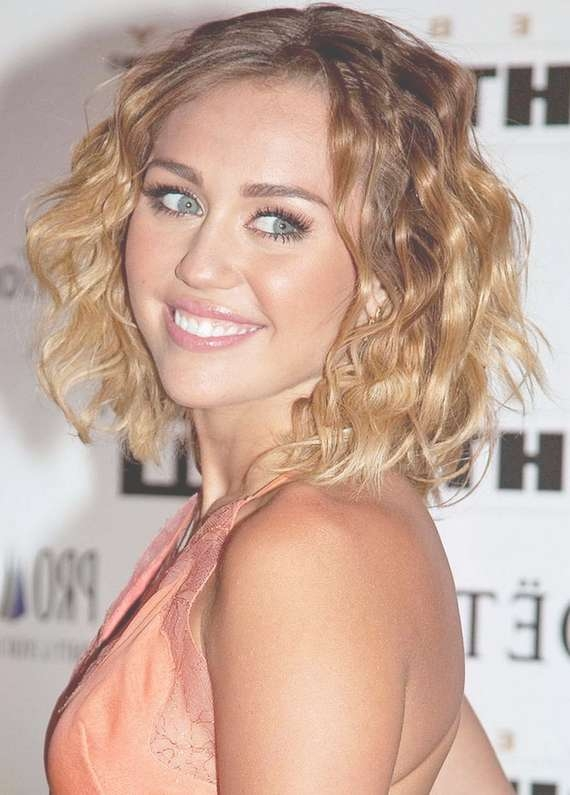 Graduation Hairstyles 2012 – Stylish Eve Pertaining To Most Up To Date Graduated Medium Haircuts (View 22 of 25)