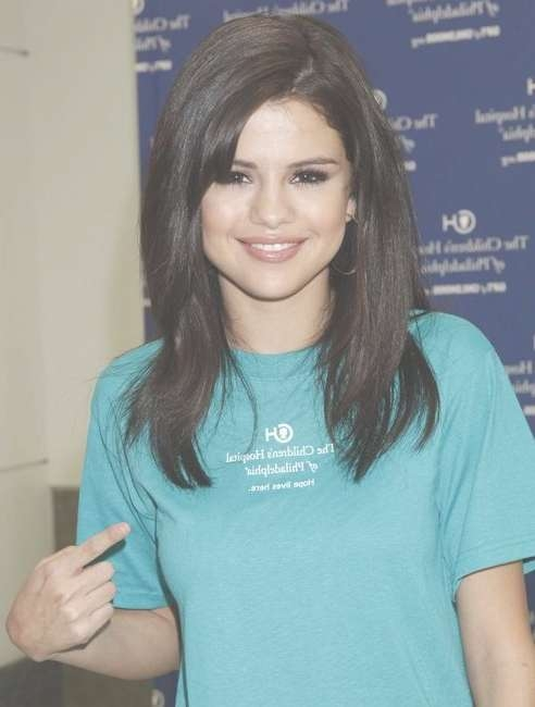 Hairstyle: Selena Gomez Shoulder Length Hairstyles Throughout Recent Selena Gomez Medium Hairstyles (View 2 of 15)