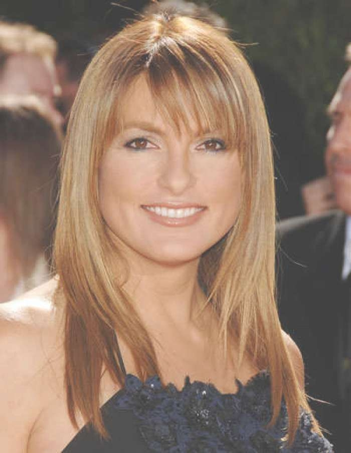 Hairstyles For Round Faces Women Medium Length With Current Medium Haircuts Ideas For Round Faces (View 23 of 25)
