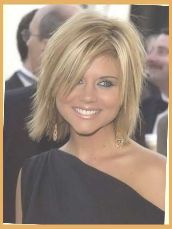 Hairstyles For Women Over 30: 10 Classy Styles With Regard To Pertaining To Latest Medium Haircuts For Women In Their 30S (View 9 of 25)