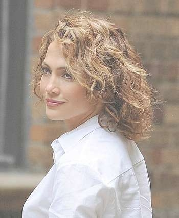 Hairstyles: Jennifer Lopez – Medium Curly Hairstyle Throughout Newest Jennifer Lopez Medium Haircuts (View 15 of 25)