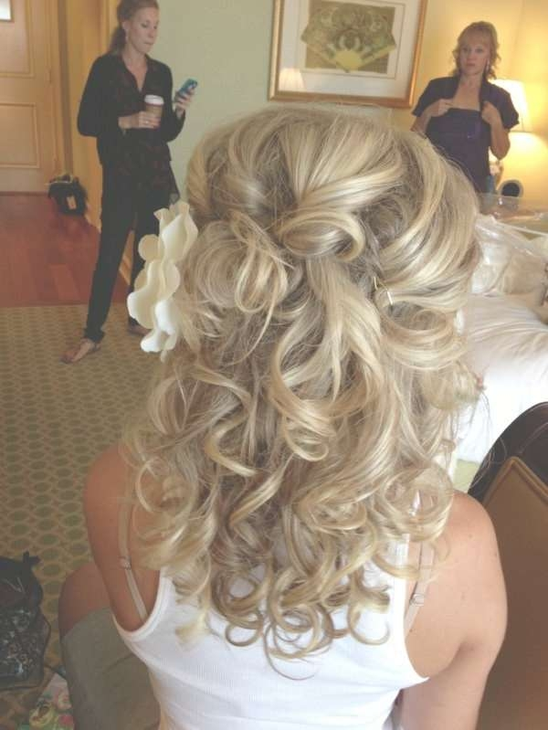Half Up Wedding Hairstyles Medium Length Hair Throughout Most Current Wedding Half Up Medium Hairstyles (View 7 of 25)
