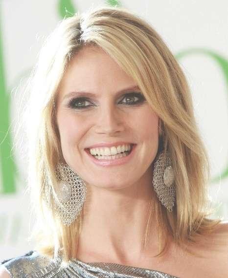 Heidi Klum Blonde Medium Layered Haircut For Straight Hair Regarding Most Popular Heidi Klum Medium Haircuts (View 14 of 25)