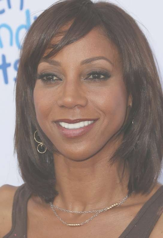 Holly Robinson Peete Layered Medium Bob Haircut For Black Women With Regard To Best And Newest Layered Medium Haircuts For Black Women (View 11 of 25)