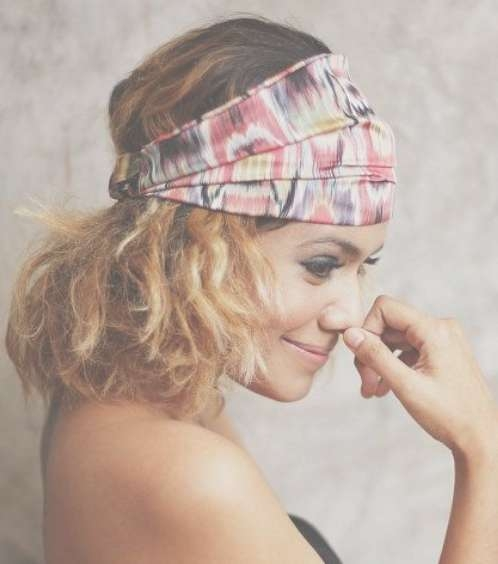 How To Create A Hairstyle With A Bandana – Pretty Designs Regarding Most Up To Date Medium Hairstyles With Bandanas (View 6 of 15)