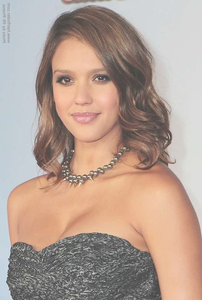 How To Cut Hair To Imitate Jessica Alba's Shoulder Length Layered Within Most Recent Jessica Alba Medium Haircuts (View 14 of 25)