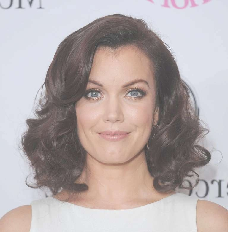 How To Nail The Medium Length Hair Trend Intended For Most Popular Medium Haircuts To Look Younger (View 18 of 25)