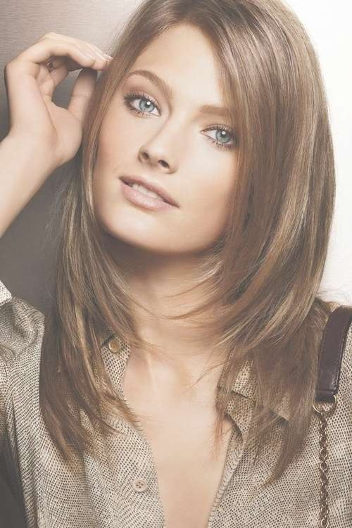 Image Result For Face Framing Layers … | Pinteres… Intended For Most Up To Date Medium Hairstyles That Frame The Face (View 10 of 25)