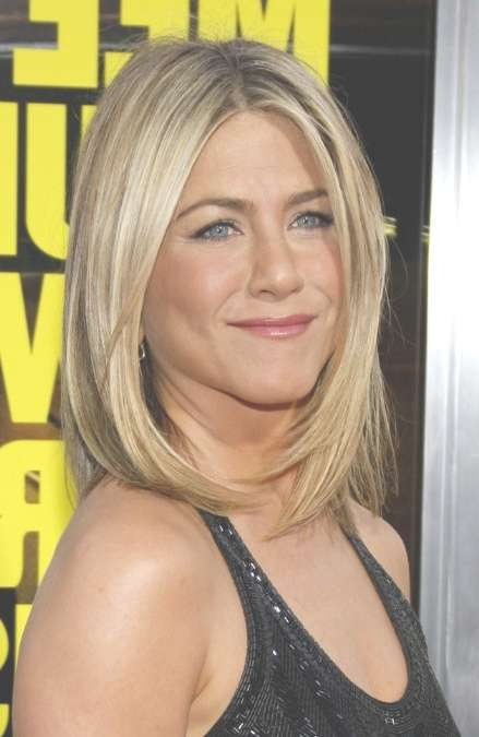 Jennifer Aniston Bob Haircut: Medium Straight Hairstyle For Women With Regard To Shoulder Bob Hairstyles (View 14 of 25)