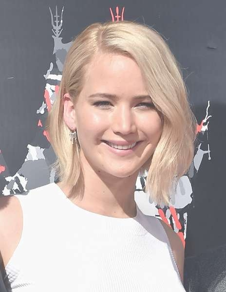 Jennifer Lawrence Goes Trendy With New Platinum Bob Haircut In Jennifer Lawrence Bob Haircuts Jennifer Lawrence (View 13 of 25)