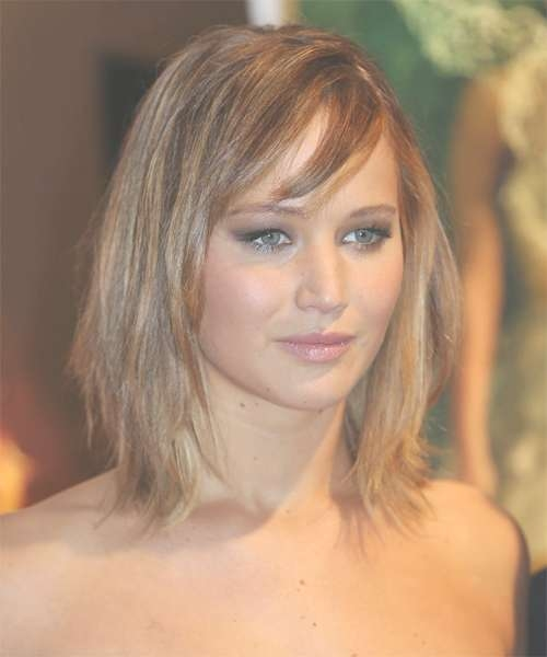 Jennifer Lawrence Hairstyles In 2018 inside Most Up-to-Date Jennifer Lawrence Medium Haircuts