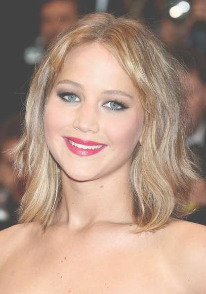 Jennifer Lawrence Medium Wavy Cut With Bangs - Shoulder Length for Most Up-to-Date Jennifer Lawrence Medium Hairstyles