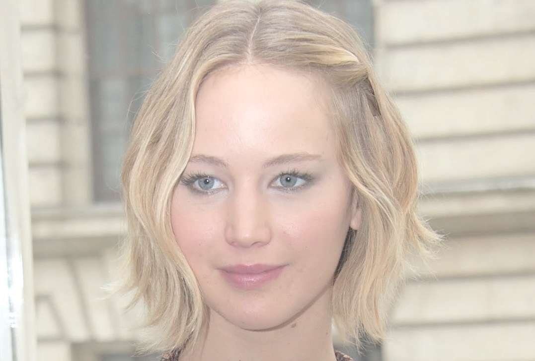 Jennifer Lawrence Wavy Bob | Hair Report – Youtube Throughout Jennifer Lawrence Bob Haircuts Jennifer Lawrence (View 20 of 25)
