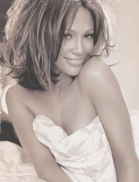 Featured Photo of Jennifer Lopez Medium Haircuts