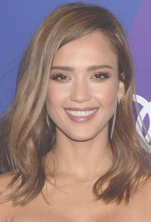 Jessica Alba Hairstyles: Brunette Medium Wavy Haircut For Women With Current Brunette Medium Hairstyles (View 5 of 15)