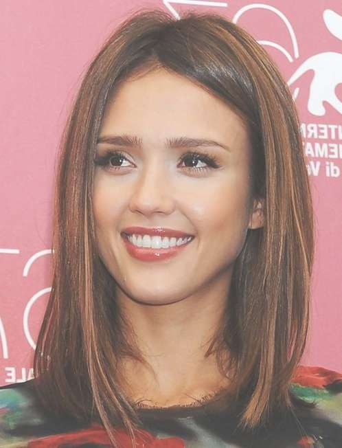Jessica Alba Shoulder Length Hairstyles: Straight Hair – Popular Inside Latest Medium Haircuts Straight Hair (View 3 of 25)