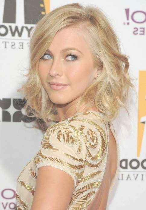 Julianne Hough Medium Hairstyle: Cute Soft Wavy Hairstyle With inside Current Side Swept Medium Hairstyles