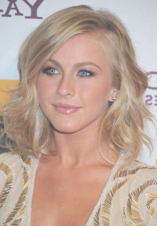Julianne Hough Medium Hairstyle With Waves - Hairstyles Weekly regarding Most Current Julianne Hough Medium Hairstyles