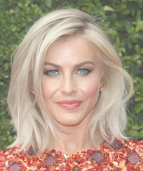 Displaying Photos of Julianne Hough Medium Hairstyles (View 4 of 25 ...
