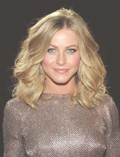 Julianne Hough Wavy Haircuts 2013 - Popular Haircuts for 2018 Julianne Hough Medium Haircuts