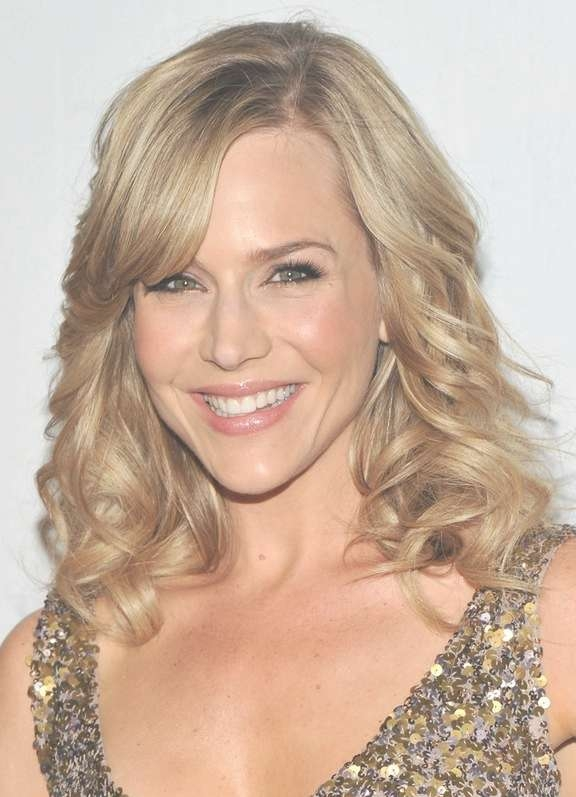 Julie Benz Shoulder Length Curly Hairstyle With Side Swept Bangs in Newest Side Swept Bangs Medium Hairstyles