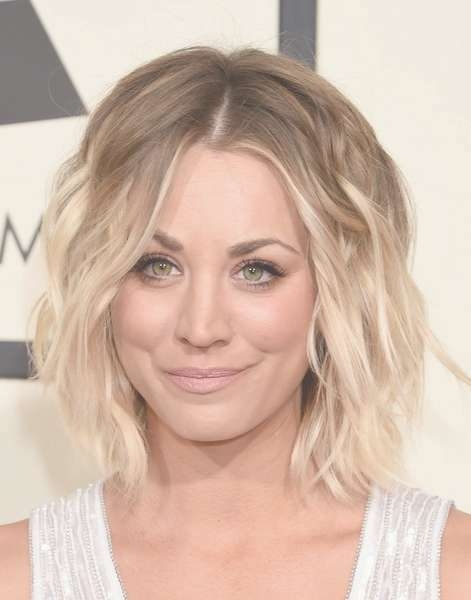 Kaley Cuoco Short Wavy Cut – Kaley Cuoco Hair Lookbook – Stylebistro For Best And Newest Kaley Cuoco New Medium Haircuts (View 3 of 25)