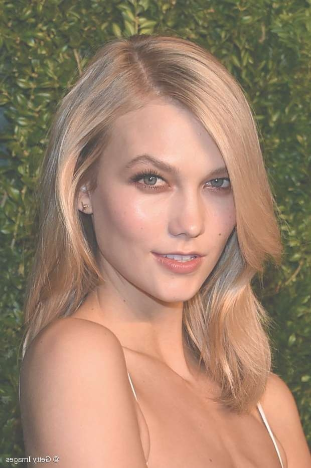 Karlie Kloss: 3 Medium Length Hairstyles To Copy Pertaining To Most Popular Karlie Kloss Medium Haircuts (View 24 of 25)
