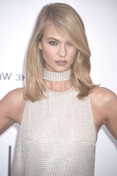 Karlie Kloss Hairstyles And Haircuts – Hairstyle Insider Inside Latest Karlie Kloss Medium Haircuts (View 5 of 25)