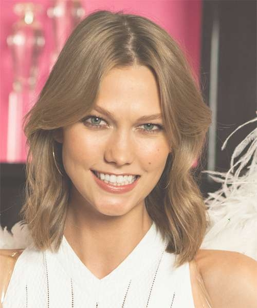 Karlie Kloss Medium Straight Casual Hairstyle – Light Brunette With Regard To 2018 Karlie Kloss Medium Haircuts (View 14 of 25)
