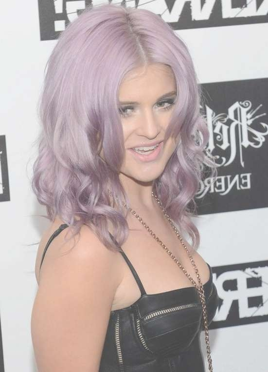 Kelly Osbourne Hairstyles – Celebrity Latest Hairstyles 2016 Throughout Most Up To Date Kelly Osbourne Medium Haircuts (View 25 of 25)