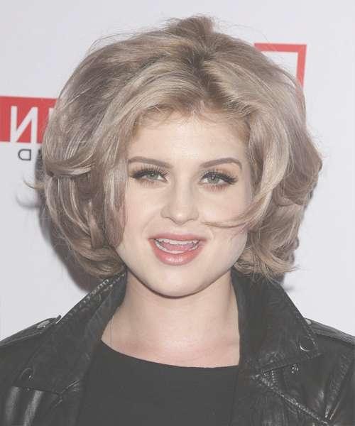 Featured Photo of Kelly Osbourne Medium Haircuts