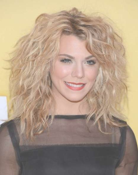 Kimberly Perry Curly, Messy Medium Hairstyles 2013 – Popular Haircuts In Current Messy Medium Haircuts For Women (View 16 of 25)