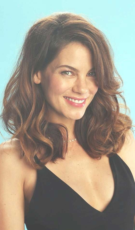 Latest Everlasting Layered Hairstyles For Medium Length Hair With Current Medium Hairstyles With Layers And Curls (View 16 of 25)