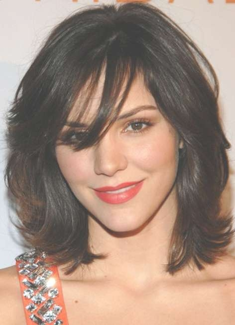 Latest Medium Layered Hairstyles With Bangs – Hairstyles Weekly With Regard To 2018 Layered Medium Hairstyles With Bangs (View 2 of 15)