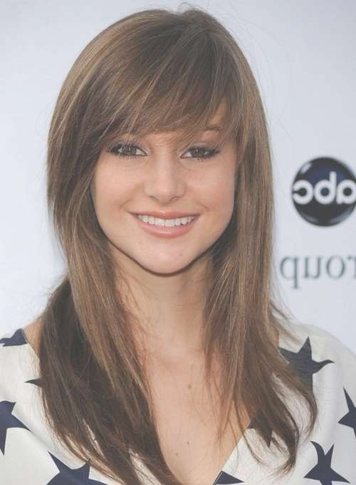 Latest Medium Length Haircuts With Bangs With Regard To 2018 Medium Haircuts With Bangs (View 12 of 25)