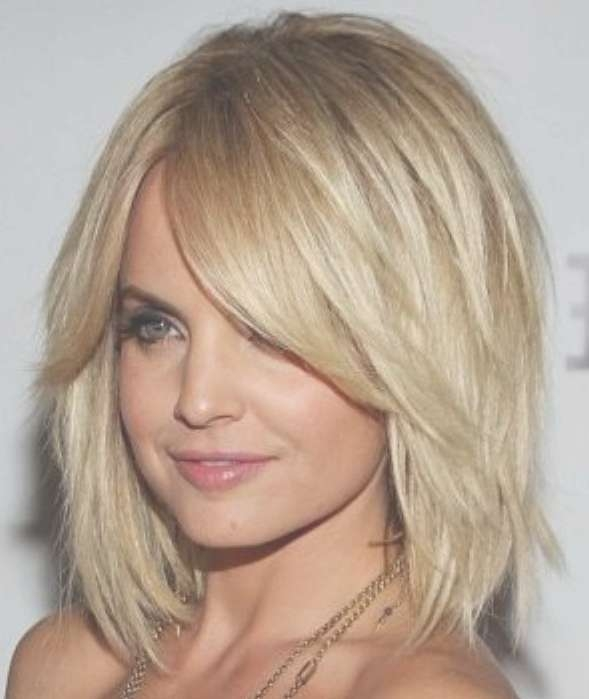 Layered Bob Hairstyle For Thick Hair – Hairstyles Weekly Intended For Most Popular Medium Haircuts Bobs Thick Hair (View 16 of 25)