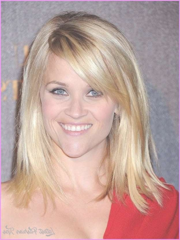 Layered Haircuts For Medium Hair With Side Bangs Within Most Recently Medium Hairstyles With Side Bangs And Layers (View 22 of 25)