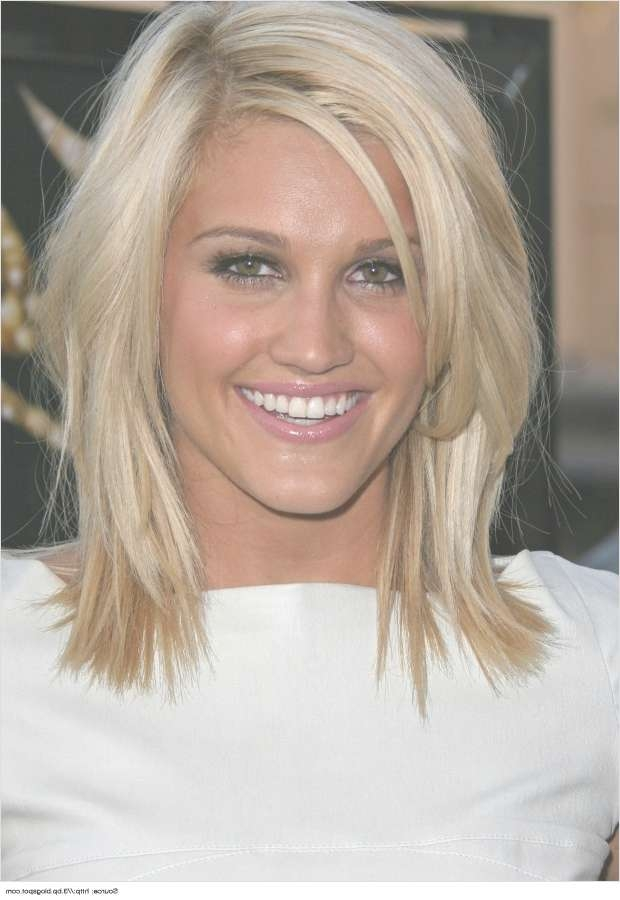 Layered Medium Hairstyles For Women This Season In Recent Medium Haircuts With Lots Of Layers (View 16 of 25)