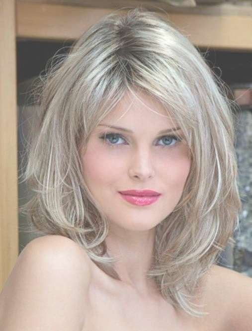 Layered Wavy Hairstyles For Oval Faces – Long, Medium & Short Hair In Current Medium Haircuts For Long Faces (View 18 of 25)