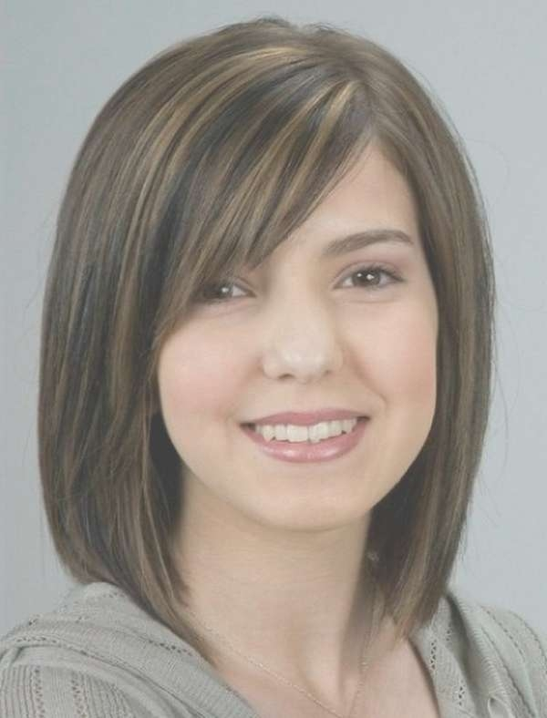 Displaying Photos of Medium Hairstyles With Side Bangs For Round ...