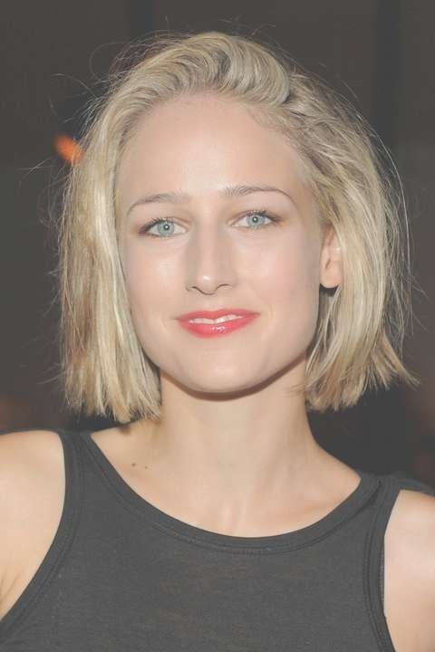 Leelee Sobieski Short Blunt Bob Hairstyle For Girls | Styles Weekly Regarding Blunt Bob Hairstyles (View 12 of 25)