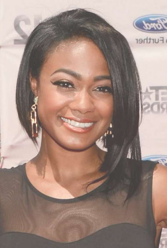 Medium Black Hairstyles For Round Faces For 2018 Medium Haircuts For Round Faces Black Hair (View 12 of 25)