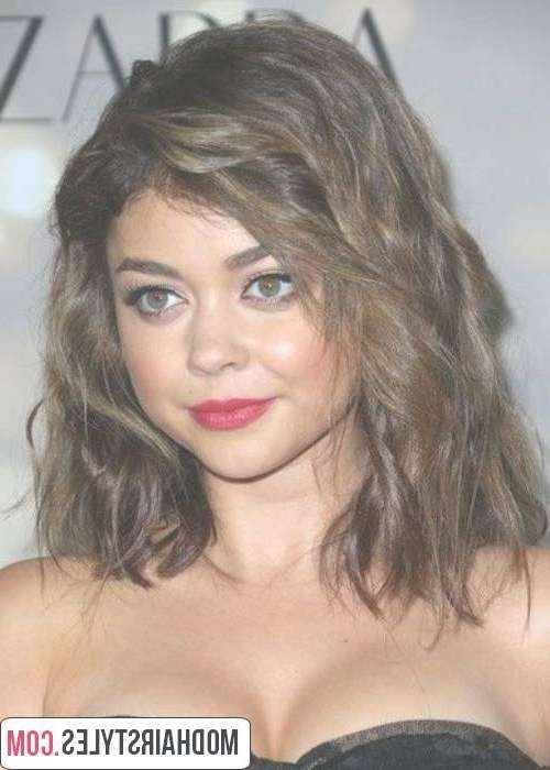 Medium Haircuts For Round Face – Stylish Medium Haircuts Intended For Newest Wavy Medium Hairstyles For Round Faces (View 4 of 15)