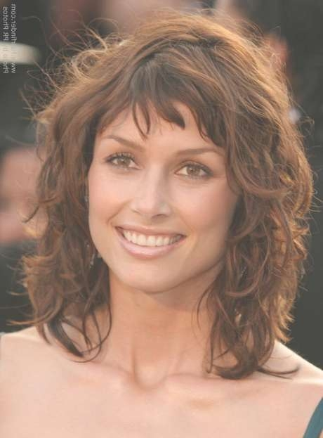 Medium Hairstyles For Thick Wavy Hair With Bangs Within Current Thick Wavy Medium Haircuts (View 8 of 25)