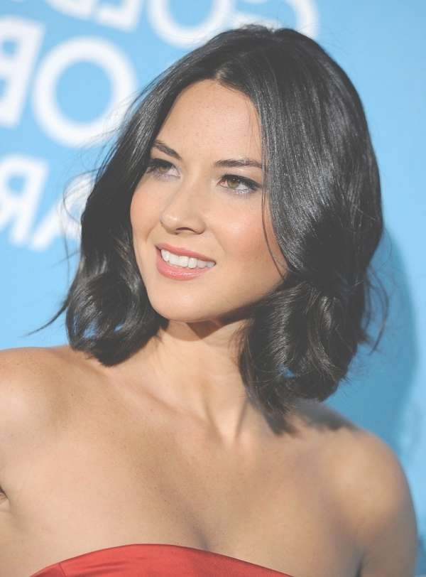 Medium Length Black Hair Haircuts Pertaining To Best And Newest Medium Hairstyles For Round Faces Black Hair (View 3 of 15)