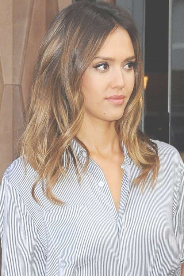 Medium Length Hair Jessica Alba Throughout Most Recent Jessica Alba Medium Hairstyles (View 18 of 25)