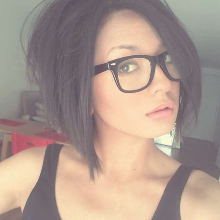 Medium Length Hair With Bangs And Glasses Pertaining To Latest Medium Haircuts With Bangs And Glasses (View 7 of 25)