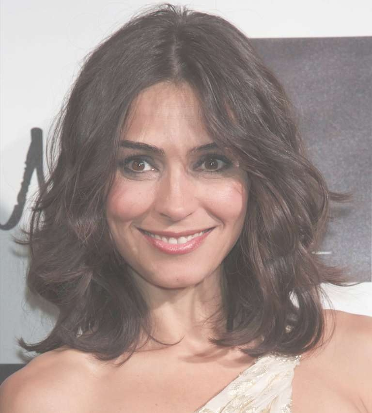 Medium Length Hairdos Perfect For Thick Or Thin Hair Throughout Newest Medium Haircuts Thick Hair (View 15 of 25)